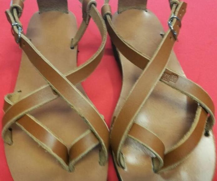 Sandalias artesanas de piel a medida