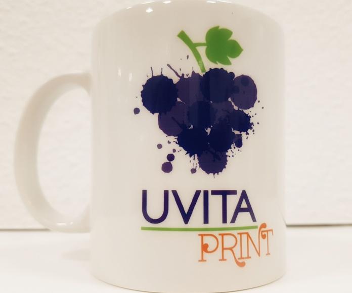 Diseño gráfico y merchandising: Servicios de Uvita Print