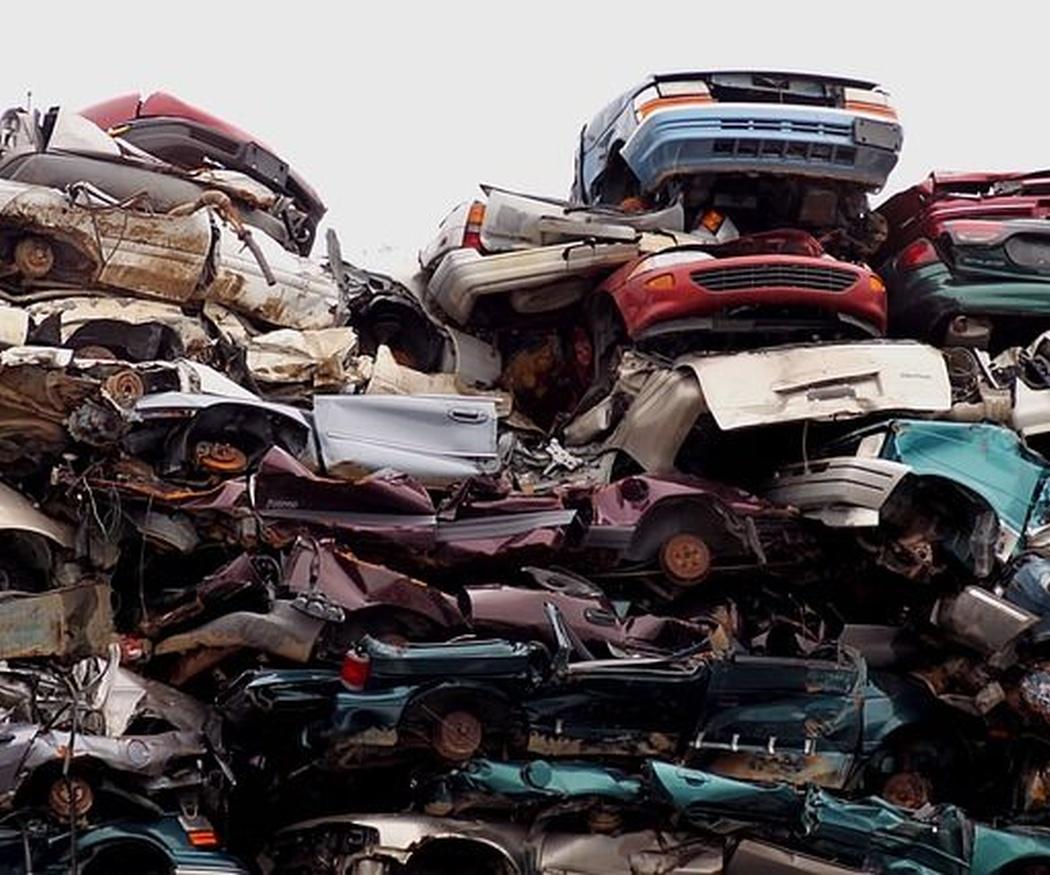 ¿En qué consiste el proceso de descontaminación de un vehículo?