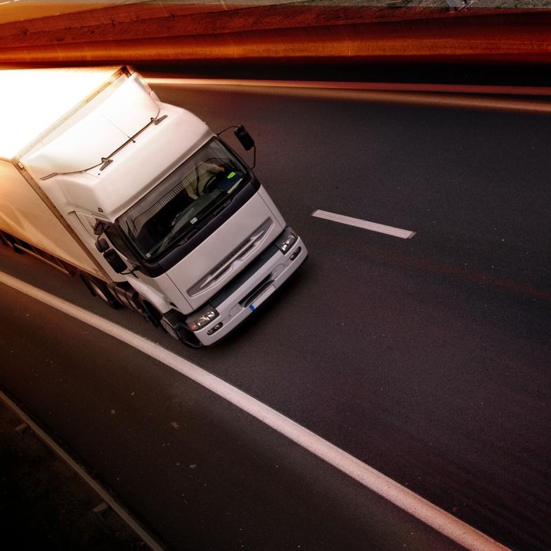 Distribución y transporte de carburos metálicos con servicio a domicilio: Servicios de Transportes Eguiara y San Juan