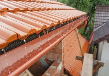 Limpieza y reparación de tejados y canalones