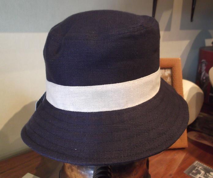 Sombrero 100% lino. Color azul marino.