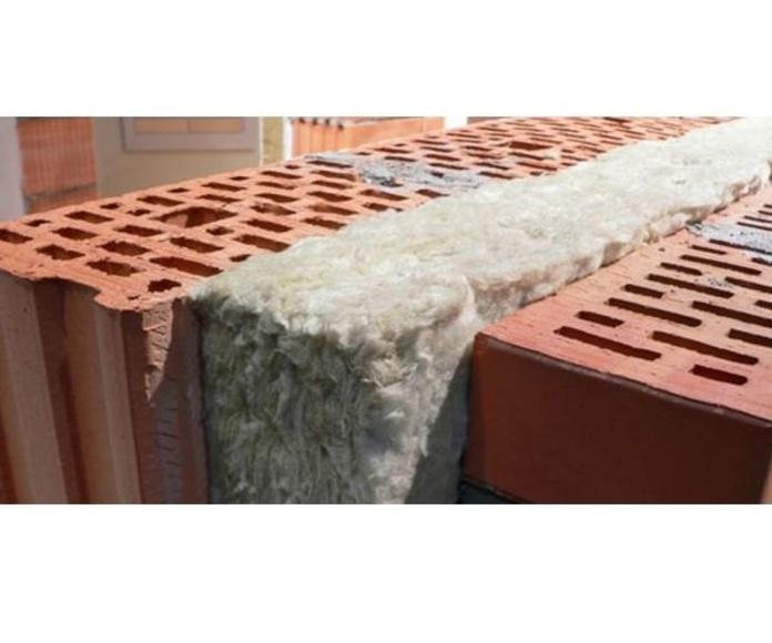 Aislamientos térmicos y acústicos. Impermeabilizaciones  : Servicios  de Aguilar Construcció Rehabilitació i Manteniment