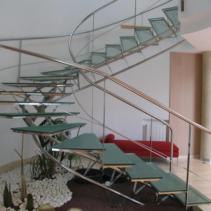 Escalera : Servicios de Corbats, Metàl.lics i Mecanitzats, S.L.