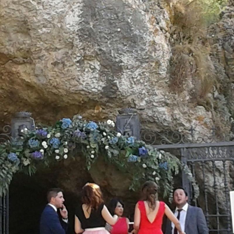 Decoración de ermitas para bodas: Arreglos Florales de Flores Cid Arte Floral