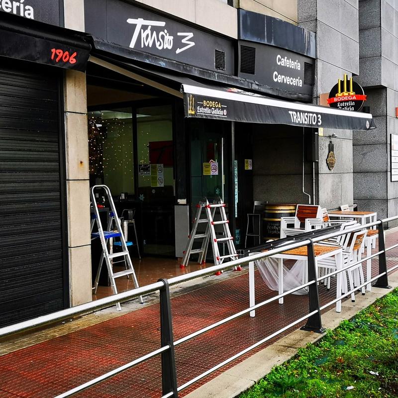 Puertas apilables de vidrios: Servicios de Vidrios Coruña