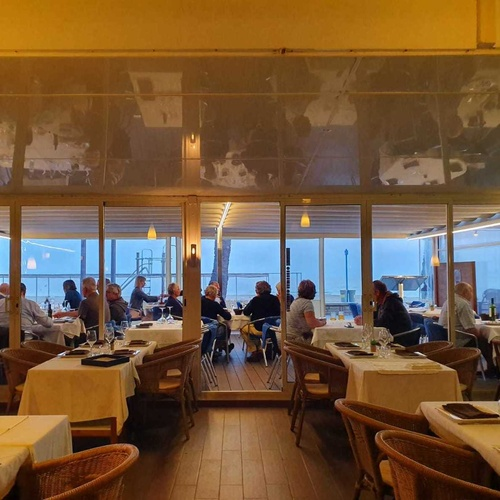 Cocina marinera en  | Restaurante Delfín