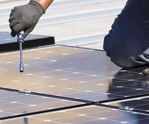 Mantenimiento y reparación de placas solares