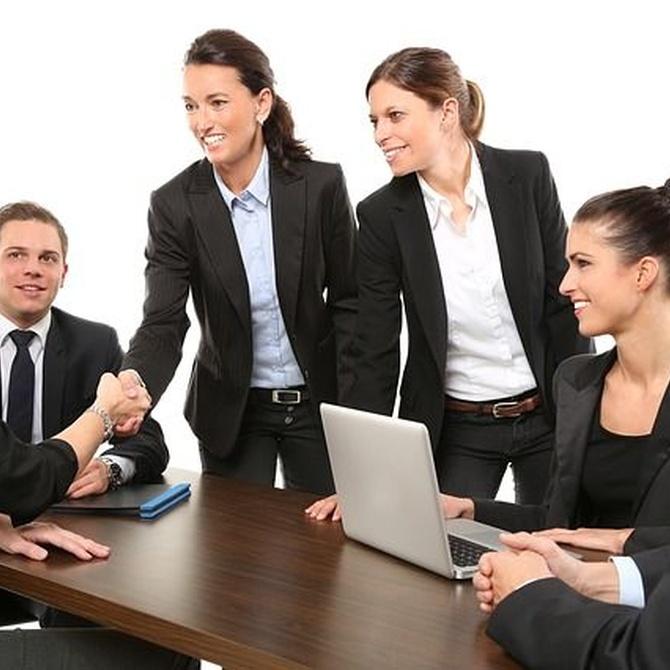 Una oficina limpia y ordenada favorece un rendimiento eficaz de los empleados