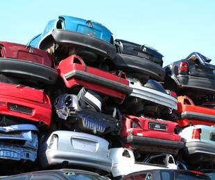 Ventajas de llevar el coche a un desguace