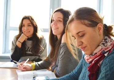 *Cursos de idiomas intensivos de verano adultos Barcelona