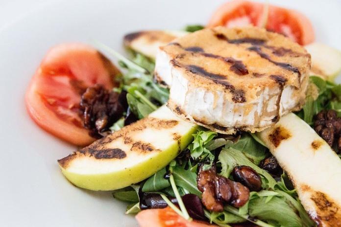 Ensaladas: Especialidades de Cafetería Restaurante La Tisana