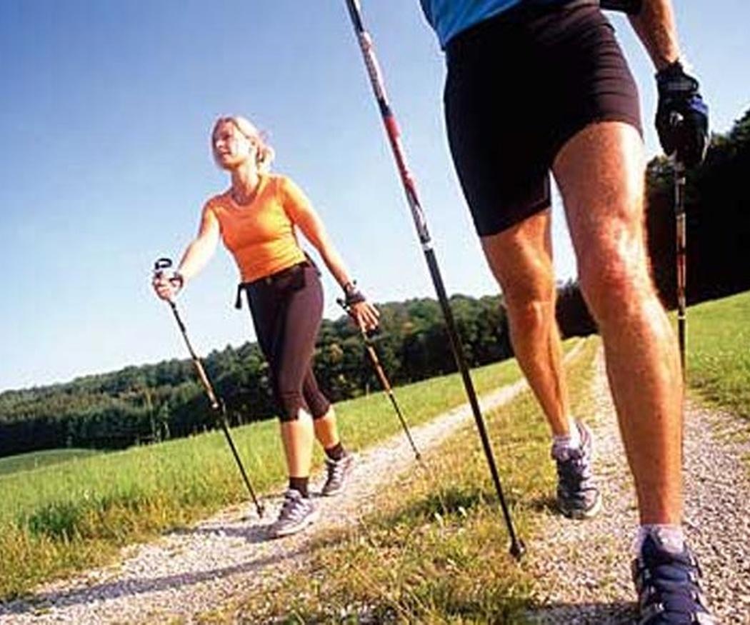 ¿Sabes qué es el Nordic walking?