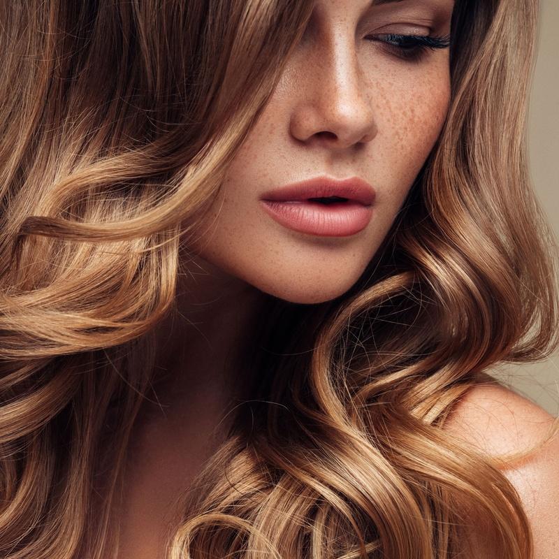 Colocación y mantenimiento de pelucas: Servicios de Perruquería Nova Imatge