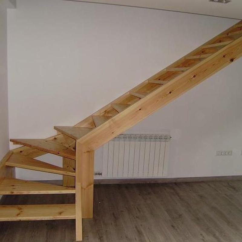 Escaleras y puertas: Productos de Ebanistería del Valle