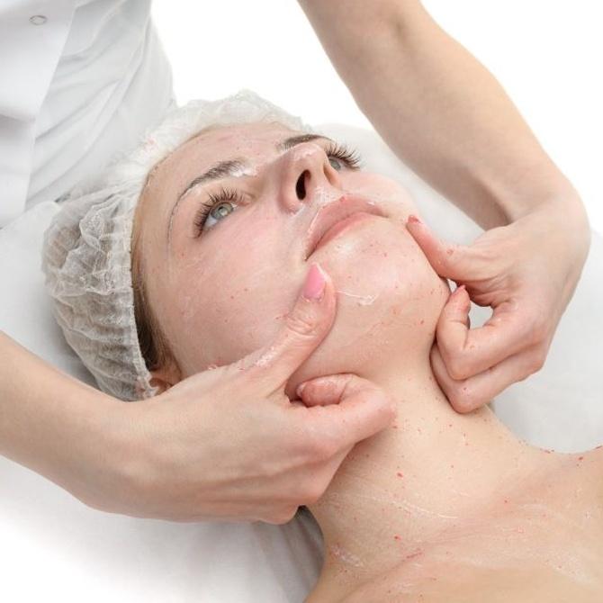 ¿Para qué sirve la exfoliación facial?