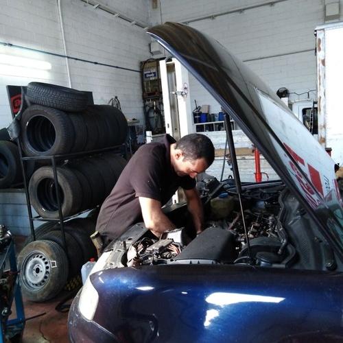 Trabajos de reparación de vehículos en Vic