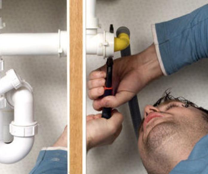 Fontanería: Servicios de Reparaciones y Montajes Cerezo