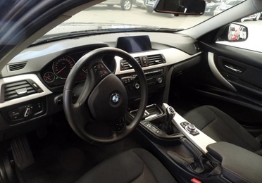 BMW Serie 3 318d Touring (8551-HNF)
