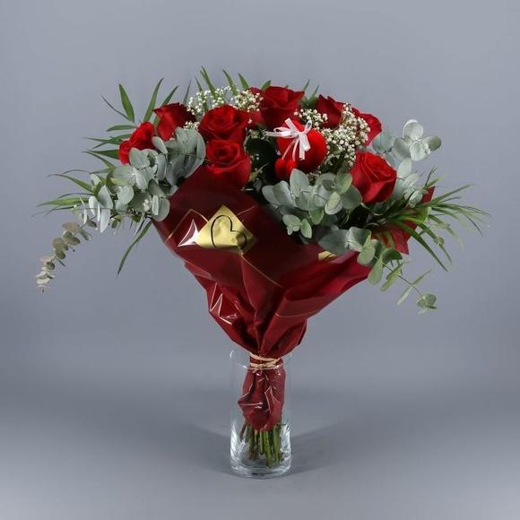 Ramo buquet 9 Rosas Rojas con eucalipto:  de Floristería Contreras