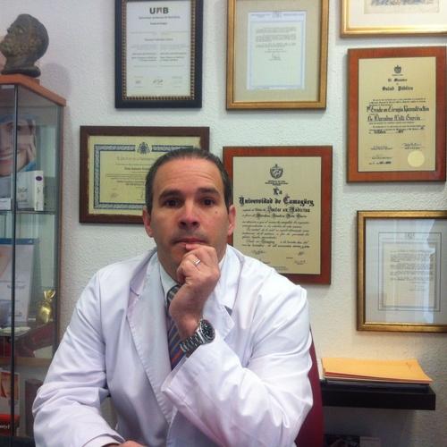 Dr. Amaury González Llorca