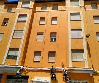 Tubos salidas de extracción - bajantes verticales e instalaciones  fachada: Trabajos verticales Santander  de Trabajos Verticales Cantabria