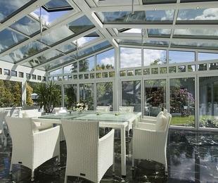 Decoración minimalista con elementos de aluminio en tu hogar