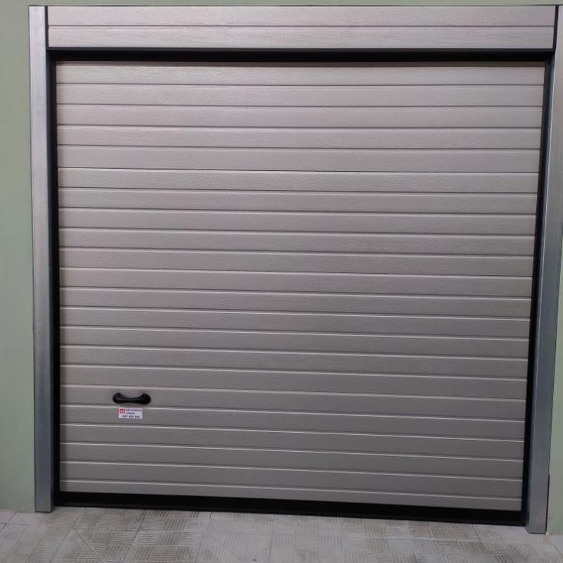Mantenimiento de puertas automáticas: Servicios de JLS Puertas automáticas y Cerrajería