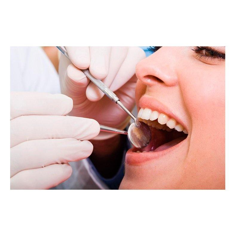 Conservadora: Servicios de Dental Implantes