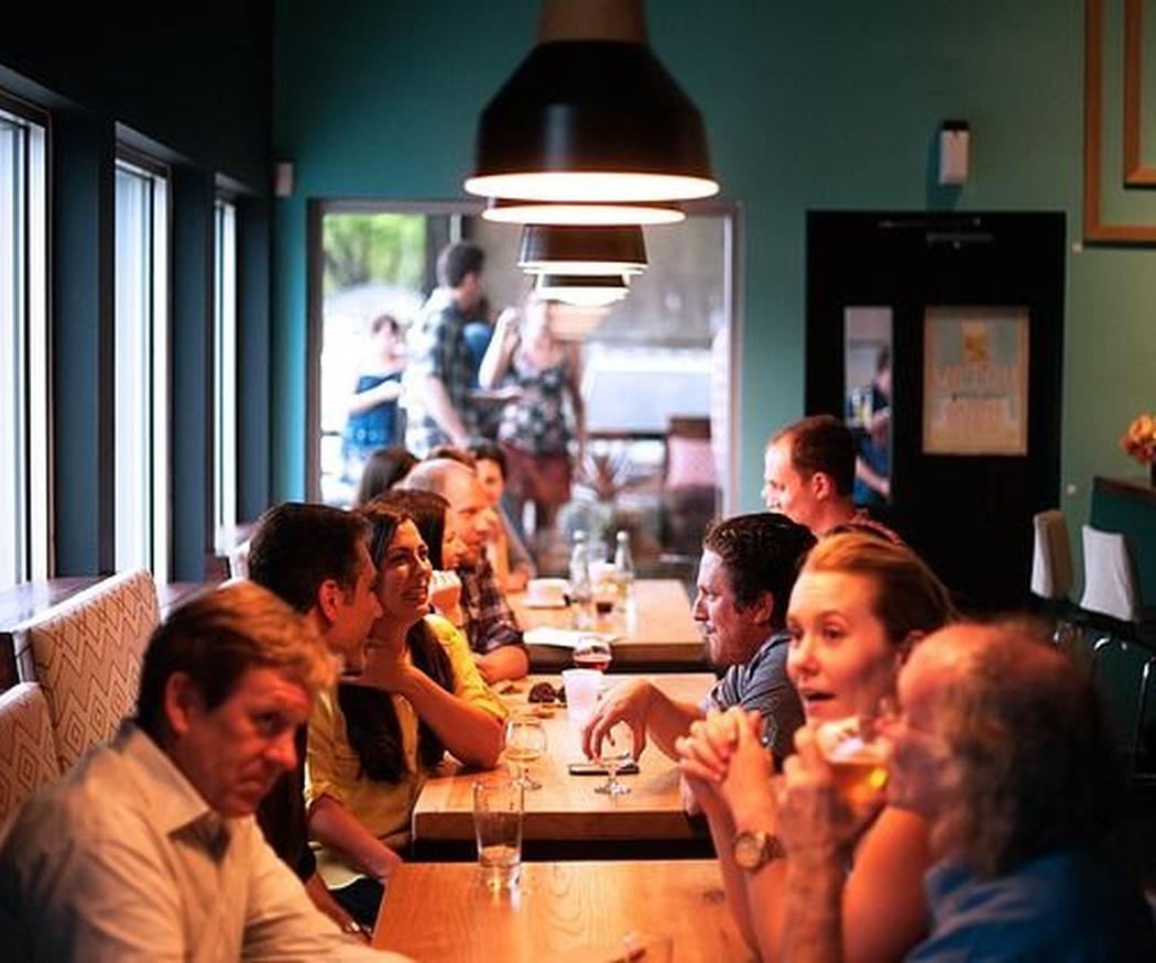 Cómo elegir un restaurante con espectáculo