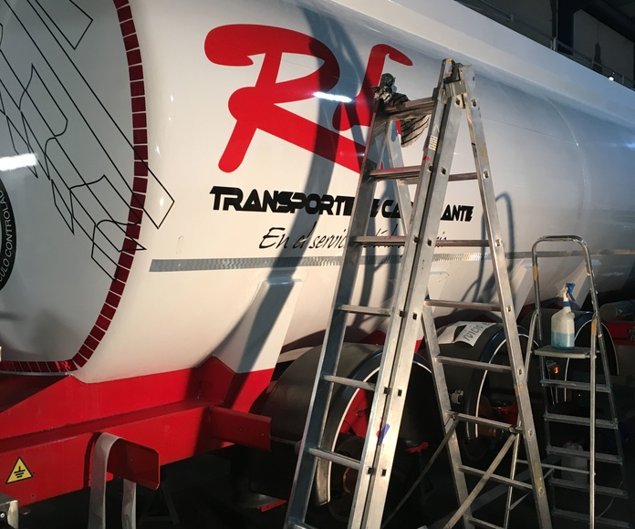 Rotulacion en cisterna de Transporte de Carburante RL