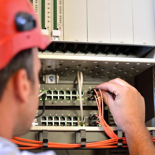 Instaladores eléctricos y de telecomunicaciones autorizados