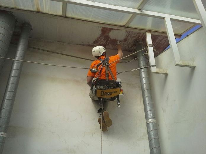 Trabajos verticales: Servicios de Construcciones Javier Mojal