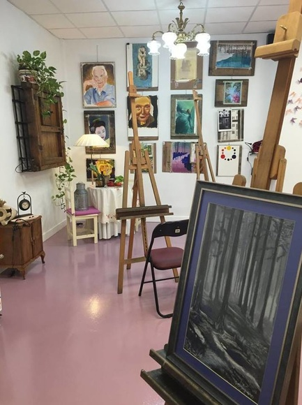 Técnica seca : Servicios   de Inicios Academia de Dibujo