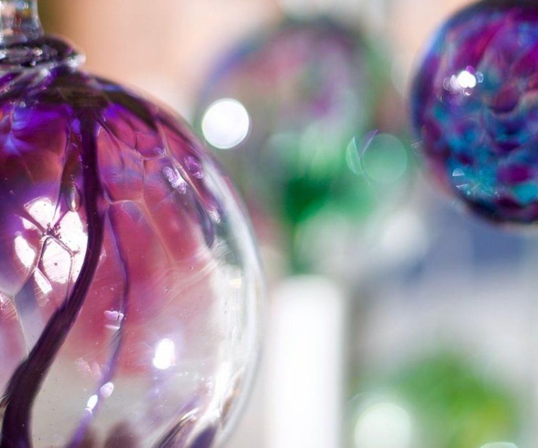 Convierte tus ventanas en auténticas vidrieras de colores