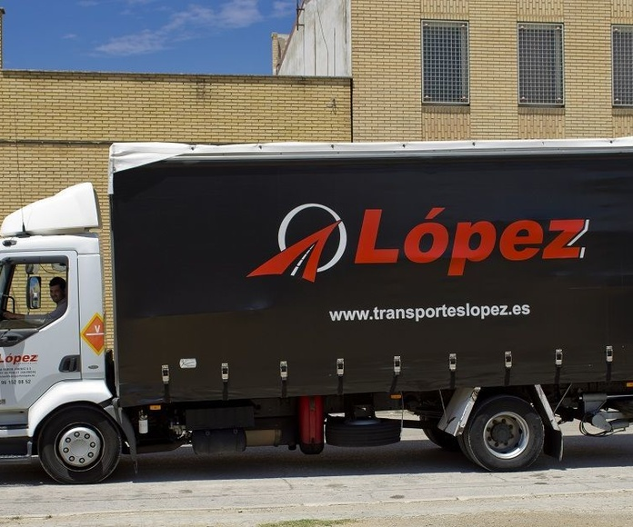 Flota: Servicios de Transportes López
