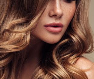 Colocación y mantenimiento de pelucas