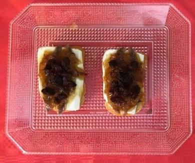 Receta tapa queso fresco con cebolla caramelizadoa