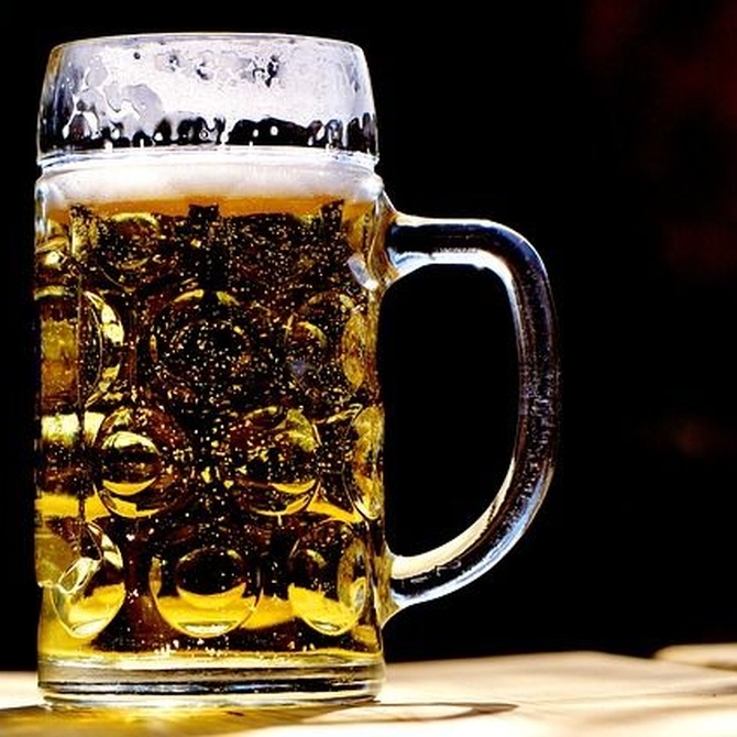 Descubre las propiedades desconocidas  de la cerveza