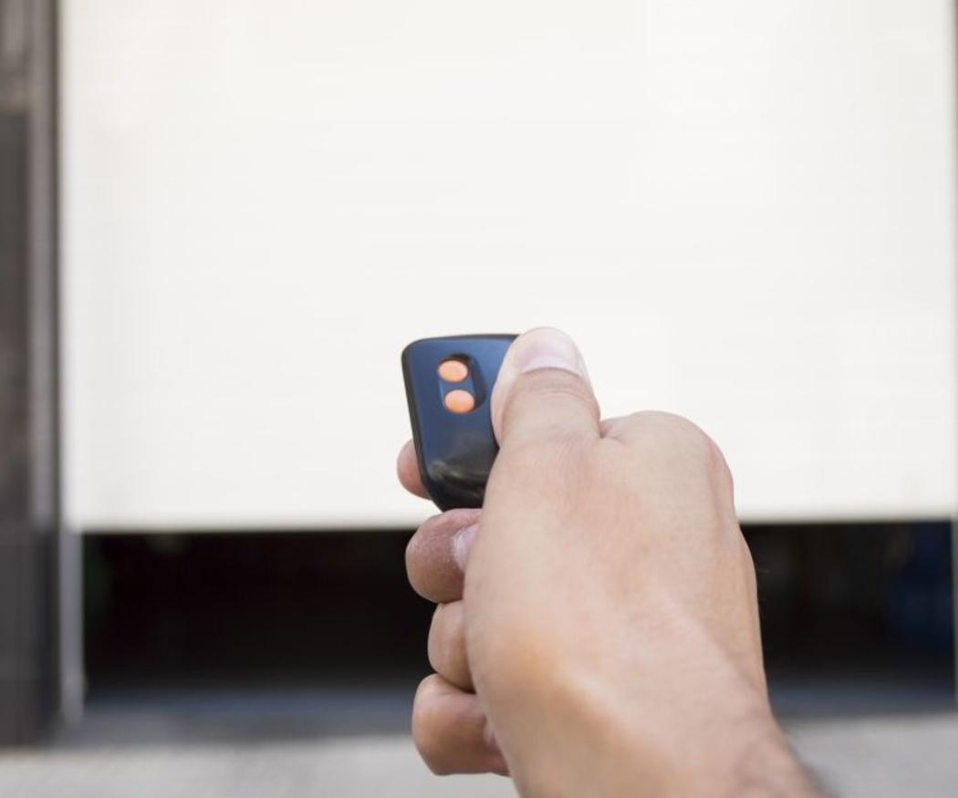 ¿Cuándo se inventó la puerta automática?