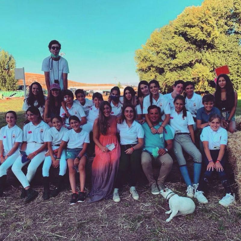 Equipo competición de ponis: Servicios de Club Hípico Lira Cubero