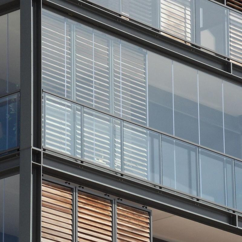Cortinas para cerramientos de terrazas: Productos y Servicios de Aluminios Gamero