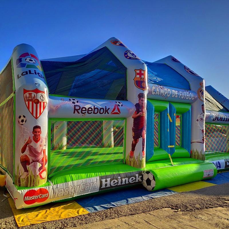 Campo de futbol arco techo: Catálogo de Hinchables Happy Jump