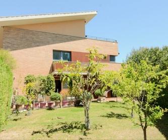CASA DE PUEBLO EN EL CENTRO DE MASNOU, AL LADO DE TODOS LOS SERVICIOS.: Nuestros inmuebles de CAC Investments
