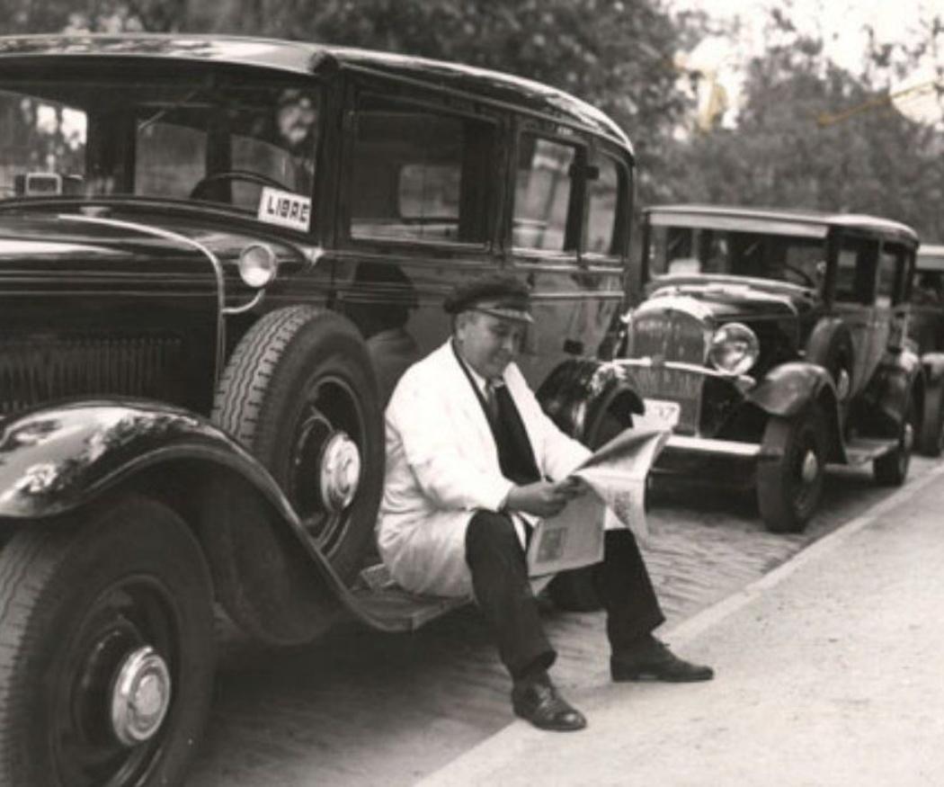 Cómo distinguir a un taxista profesional
