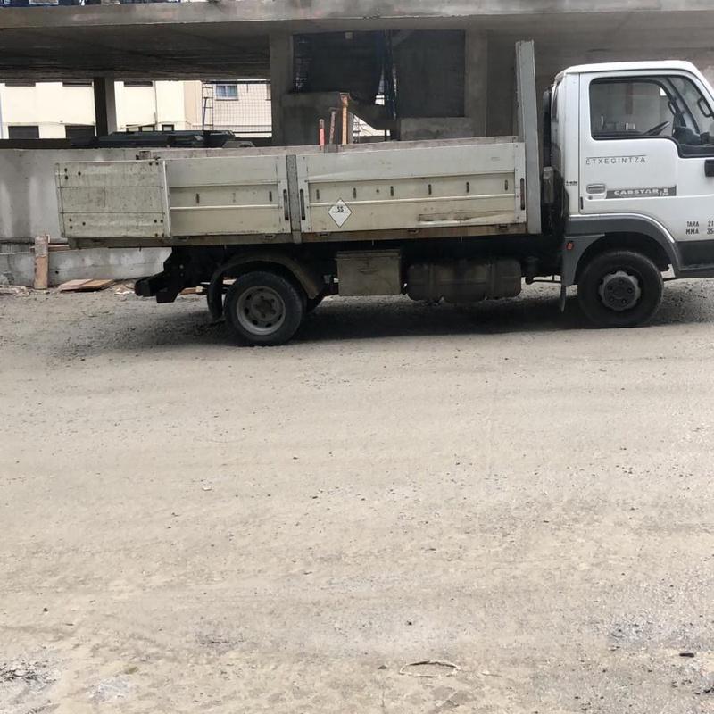 Flota de camiones: Catálogo de Transportes y Contenedores Jaizkibel