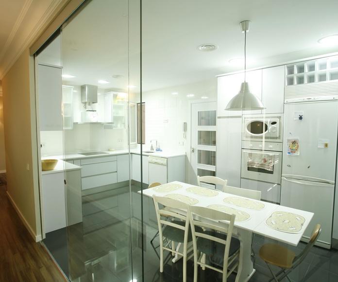 Puertas de cristal cocinas. Cristalera Madrieña