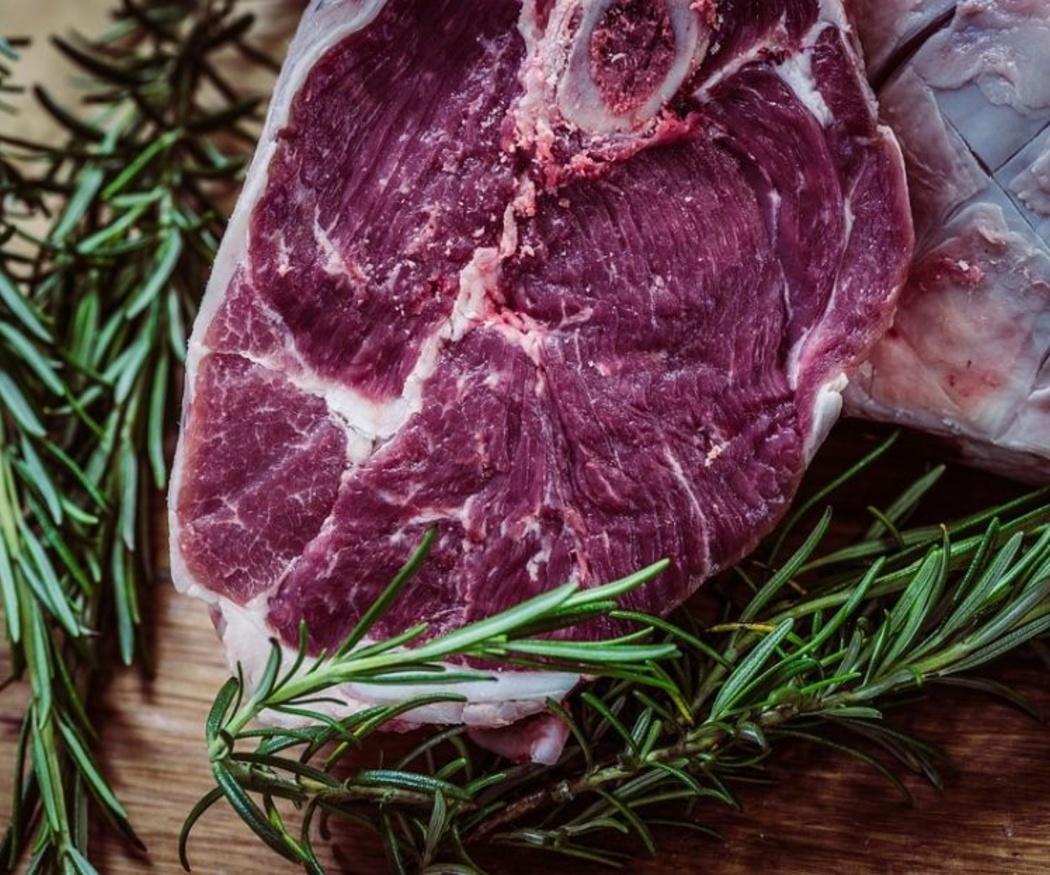 ¿Qué propiedades saludables tiene la carne roja?