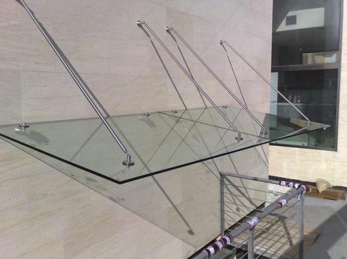 Marquesina de vidrio templado