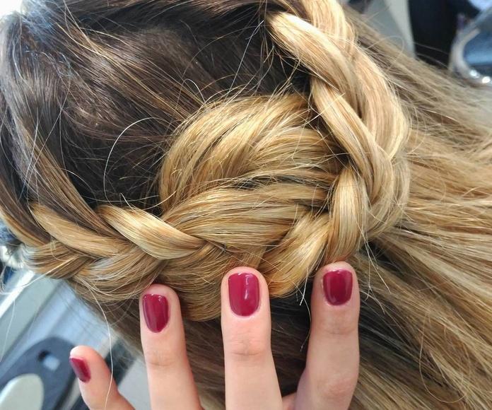 Peinado trenzado con cabello suelto